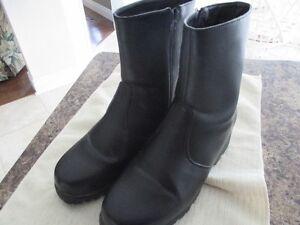 Winter Boots Size 9 Cambridge Kitchener Area image 1