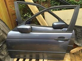 BMW FRONT LEFT PASSENGERS DOOR WITH ELECTRONIC MIRROR IN BLUE