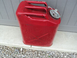 COLLECTORS! 1988 Red U.S.M.C. Dot Gas Tank Amazing shape for age