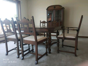 Classic 9 piece walnut Dinning set