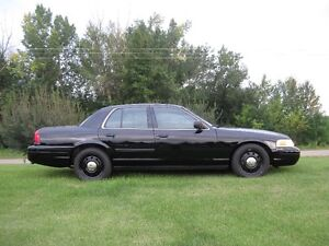 2010  and 2008 Ford Crown Victoria Police Package Sedan Strathcona County Edmonton Area image 6