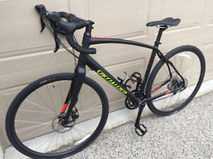 Specialized Men's Diverge Adventure Road Bike