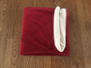 Red Confy throw