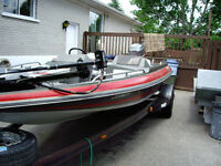 Bass Boat for Fishing Negotiable