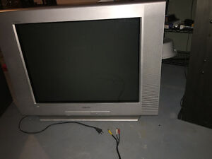 SONY 32-INCH SCREEN TV TELEVISION WITH REMOTE AND STAND
