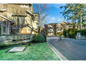 SOUTH SURREY T-H 3 BEDS 2.5 BATHS