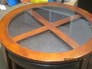 EXCELLENT CENTER TABLE FOR SALE