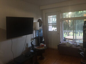 3 1/2 all/tout included. $600 Pointe-Claire