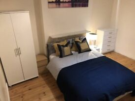 AMAZING NICE DOUBLE ROOM FOR SINGLE USE ONLY - WHITECHAPEL - ZONE 2 - CENTRAL/DISTRICT - CALL ME NOW