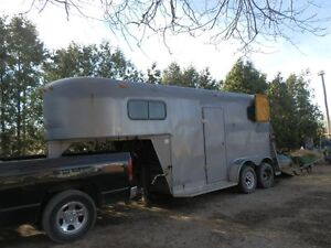 2 HORSE 1998 KETTLE CREEK GOOSENECK TRAILER SELL OR TRADE London Ontario image 1