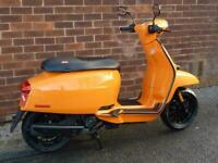 Lambretta V 125cc Special Modern classic Automatic scooter moped