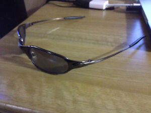 Oakley Juliets Sunglasses Good Condition, Copy, 45$ West Island Greater Montréal image 2