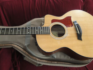 MADE IN MEXICO TAYLOR ACOUSTIC/ELECT GUITAR +TAYLOR GIG BAG $750