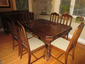 Antique table, 6 chairs and corner hutch Kitchener / Waterloo Kitchener Area image 8