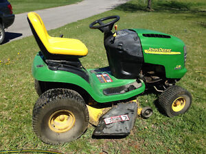 """2004 John Deere 20HP 42"""" deck lawn tractor with wagon"""