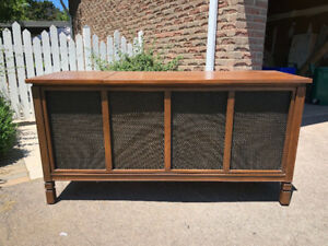 Vintage 1970s Record Console