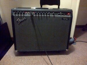 2 Fender The Twin guitar amps, Retro Sonic Analog delay
