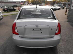 2007 ACCENT GL SEDAN  LOADED  5 SPEED  ONE OWNER-NO ACCIDENTS Windsor Region Ontario image 6