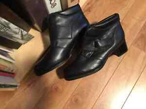 Leather winter boots, size 11