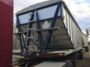Load King Super b Grain trailers