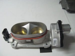 Throttle body pour Mustang 2005-09 et un pour mustang 2011, 5 l