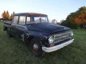 1966 international travelette vintage crewcab shortbox truck