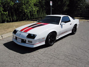 1986 CAMARO Z28 IROC. EXCELLENT CONDITION.REBUILT ENGINE WITH 20