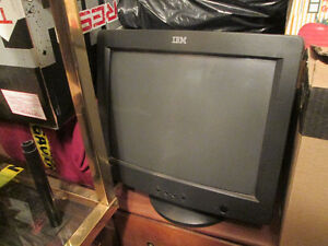 "IBM DESKTOP PC `15"" MONITOR"