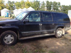 1996 Chevrolet Suburban leather SUV, Crossover