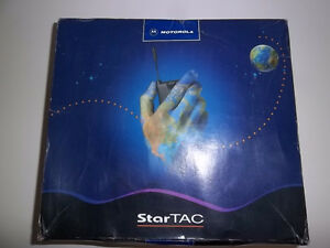 STAR TAC MOTOROLA CELL PHONE