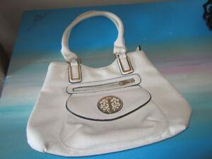 white ladies bag/purse