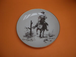 """JOHN WAYNE """"AMERICA'S MOST LOVED"""" COLLECTOR PLATE WITH DVD MOVIE"""