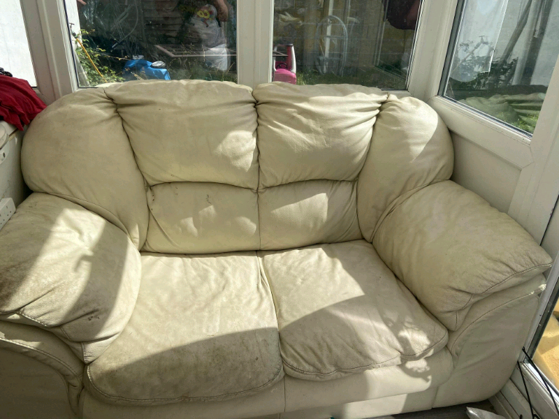 Free sofas   in Portsmouth, Hampshire   Gumtree