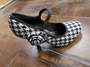 Shoes, sizes 5 and 6