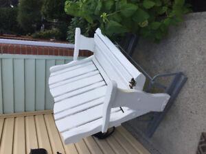 Chaise berçante double d'exterieur