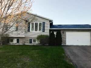 Beautiful 5 bedroom home in Petawawa