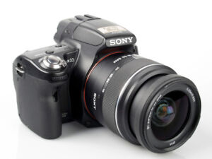 Sony DSLR SLT-A33 Camera for sale