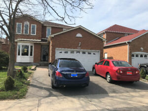 Nice 4 bedroom House In Markham With brand new washroom