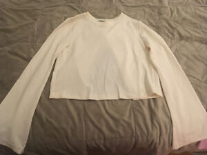 Cream colour shirt with open back Cambridge Kitchener Area image 1