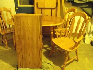 Dining room table & chairs Stratford Kitchener Area image 3