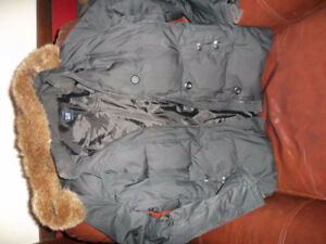 several  womens  winter coats Jackets ,Large & Xlarge $10  to$40