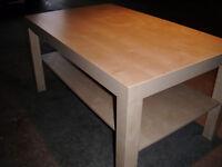 """**Table Basse**  de """"IKEA""""  modèle: """"LACK""""  ($15.) !!!!!"""