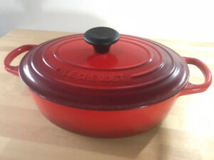 Le Creuset #27 Oval Dutch Oven 4.25 Quarts (4.1 L) in Cherry Red
