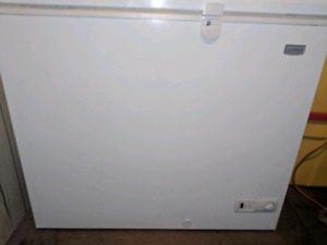 Nice new condition deep freezer for sale