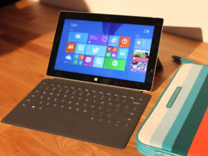 Surface RT 128 MB + White Keyboard + Case + White Cover
