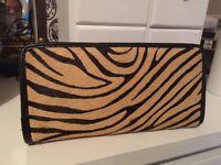 Tiger print fake fur like feel purse