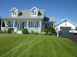 IMMACULATE WITH ACCESS TO THE BAY ~ 2615 Rte 475, St-Edouard