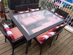 6 piece Patio table and  chairs