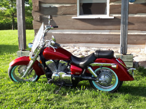 Beautiful Candy Red Honda Areo VT 750 Cruiser Certified
