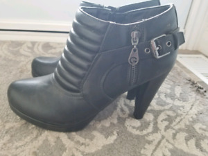 Guess Ankle Boots Size 9.5
